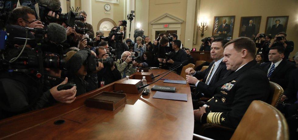 Šéf FBI James Comey se připravuje ke svému svědectví