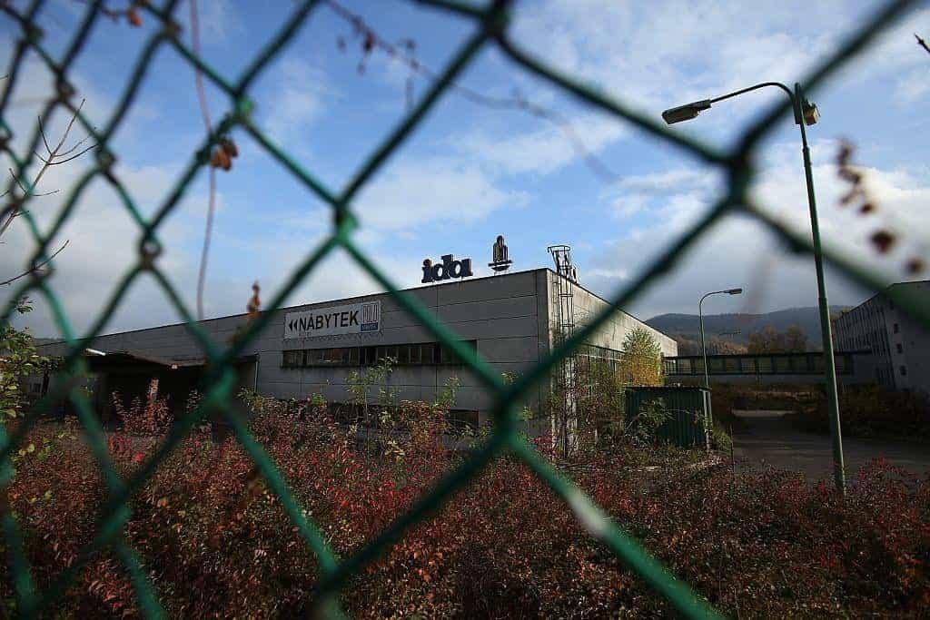Stáčírna minerálky Ida fungovala i po privatizaci, v prosinci 2000 se lahvování zastavilo.