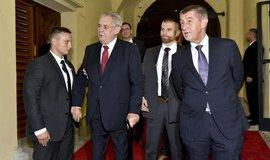 Premiér Andrej Babiš přivítal prezidenta Miloše Zemana  na jednání vlády