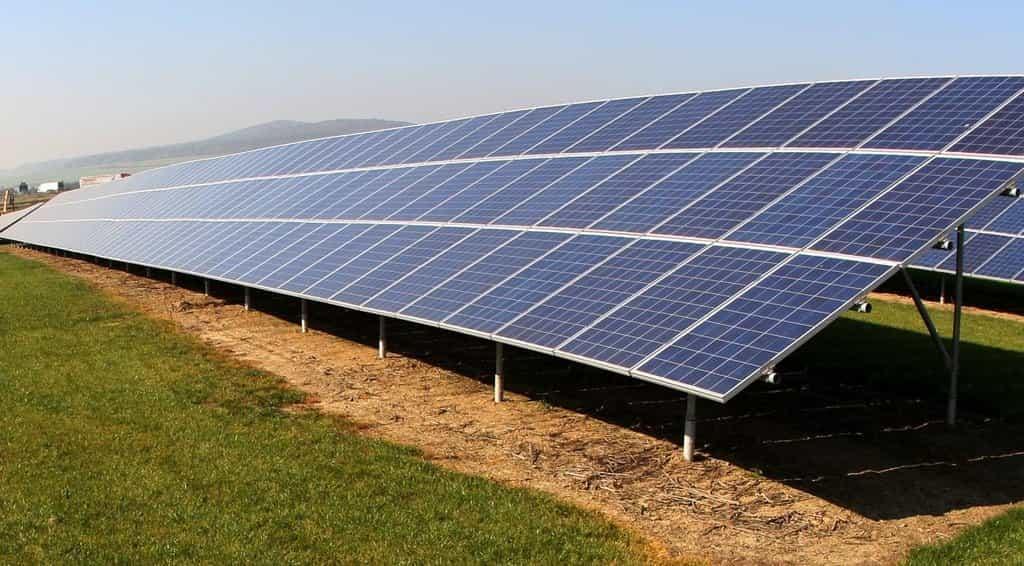 Solární panely - ilustrační foto