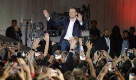 Den v tempu Elona Muska, ilustrační foto