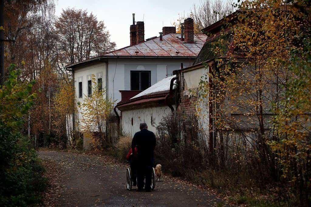 Obnova bývalých lázních je v nedohlednu, město Náchod chce proto postavit nové. Mnohem menší a jinde.