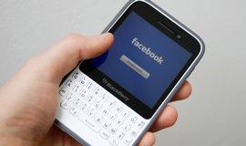 Facebook v mobilu