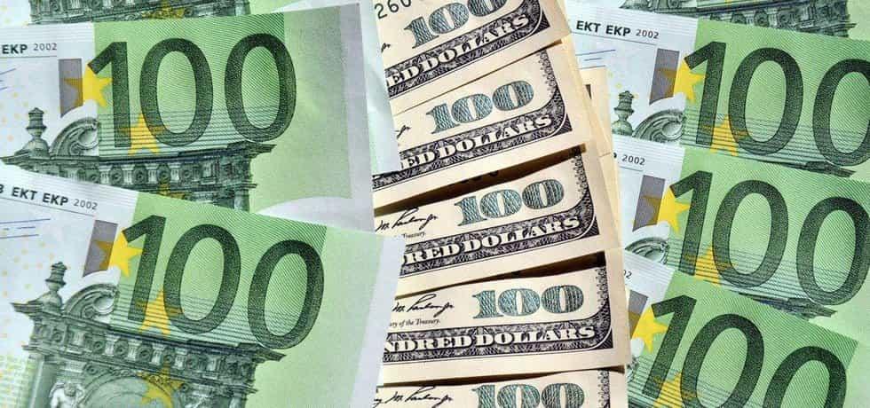 Bankovky, ilustrační foto