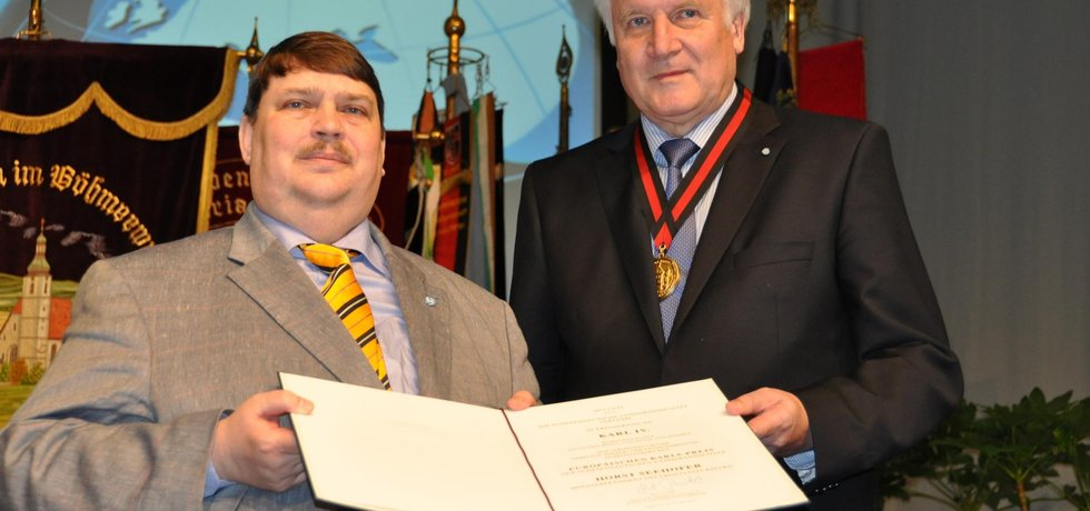 Bernd Posselt (vlevo) a Horst Seehofer
