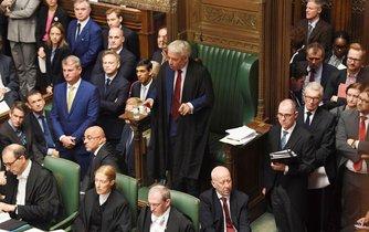 John Bercow hovoří k britským poslancům.