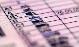 Každá je jinak označena a má řadu výjimek. Jaké všechny skupiny řidičských průkazů vlastně existují?