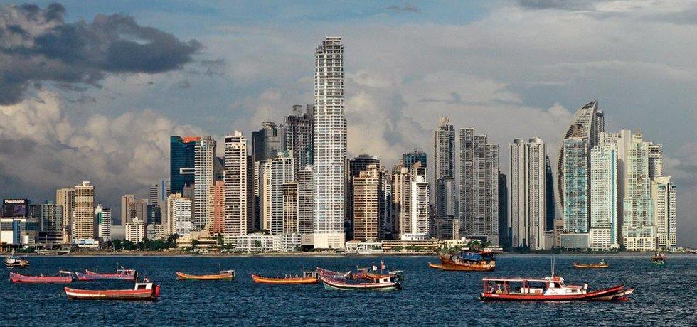 Díky poplatkům od dopravních lodí v průplavu si mohla Panama postavit moderní hlavní město Panama City