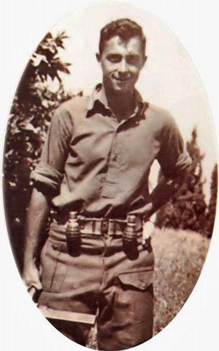 Ariel Šaron jako mladý bojovník izraelské armády v roce 1948