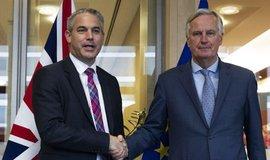 Průlom v jednáních. Vyjednavači se shodli na brexitové dohodě, hotovo však stále není