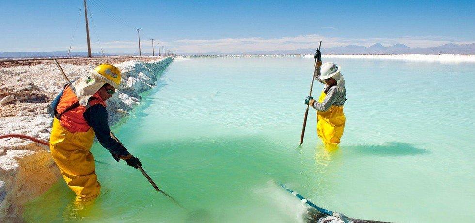 Těžba a úprava lithia v Chile, iliustrační foto