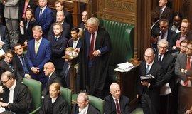 Stejný návrh jako v sobotu. Šéf britského parlamentu Bercow zrušil debatu o brexitové dohodě