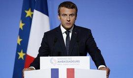 Francouzský prezident Emmanuel Macron při prvním projevu o mezinárodní politice před francouzskými velvyslanci v Paříži