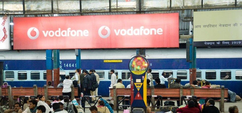 Vodafone se v Indii potýká s ostrou konkurencí. Kvůli ní prohloubil výrazně svou pololetní ztrátu.