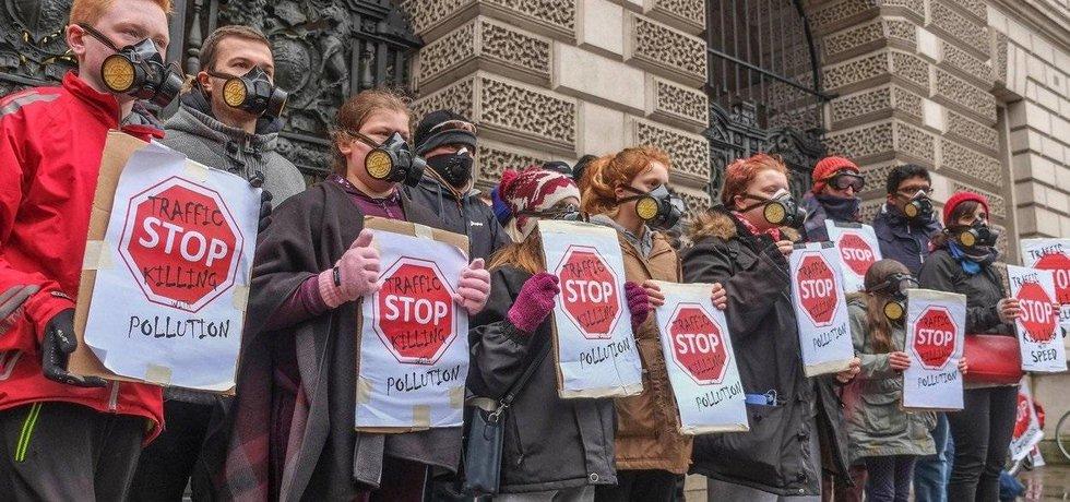 Protest proti znečištění ovzduší v Londýně, ilustrační foto