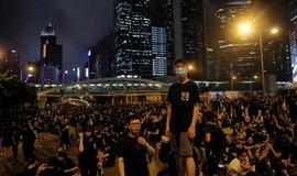 V Hongkongu pokračovaly protesty. V ulicích mohly být až dva miliony lidí
