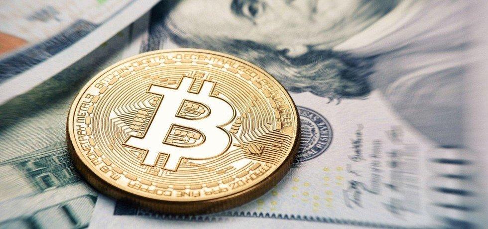 Hodnota bitcoinu překonala 10 tisíc dolarů