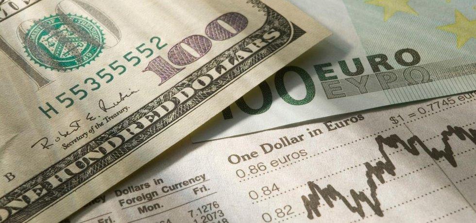 Dolar vs. Euro (ilustrační foto)