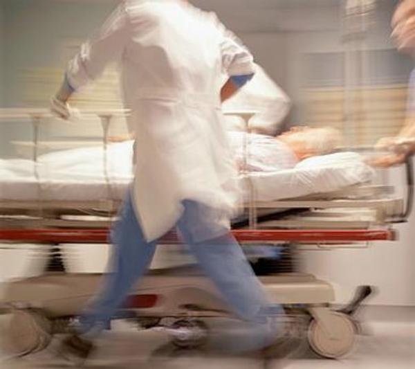 pohotovost, záchranka, nemocnice, chodba