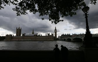 Centrum Londýna před bouřkou, ilustrační foto
