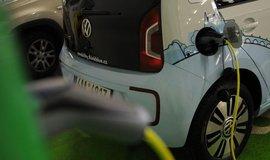 Nabíjení elektromobilu, ilustrační foto