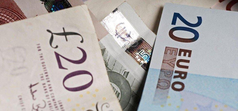 Peníze, ilustrační foto
