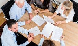 CEO, HR nebo CRM. Bez znalosti angličtiny se dnes snadno ztratíte i v práci
