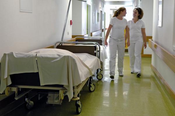 nemocnice, sestry, chodba