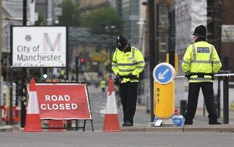Hlídkující policisté v Manchesteru