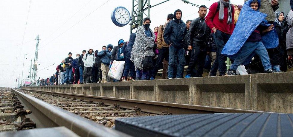 Migranti na nádraží v německém Pasově.