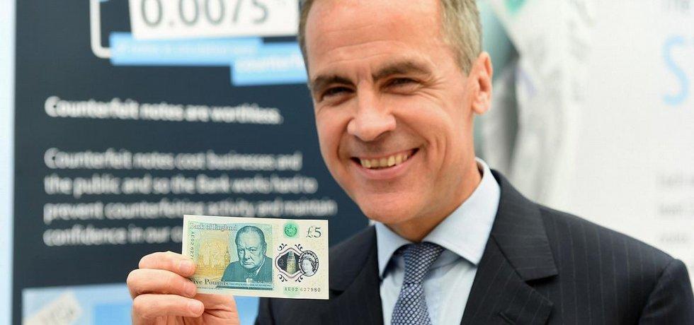 Mark Carney s první plastovou bankovkou