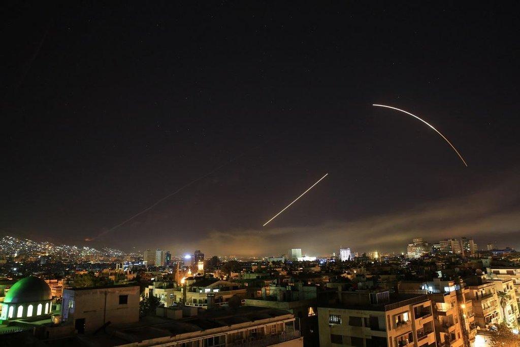 Trump uvedl, že je v útocích v Sýrii připraven pokračovat