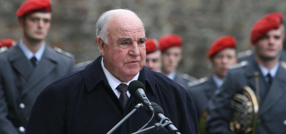 Bývalý německý kancléř Helmut Kohl zemřel ve věku 87 let
