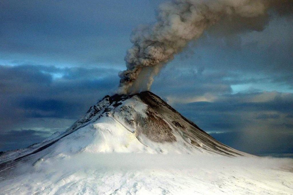 Vulkán Augustine v roce 2006.