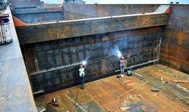 Výroba lodí v Číně - ilustrační foto