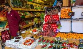 Arabský obchodník s potravinami je ve Francii ohroženým druhem. Ilustrační foto