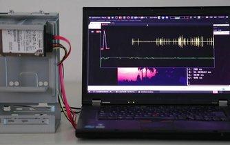 I harddisk může plnit funkci mikrofonu
