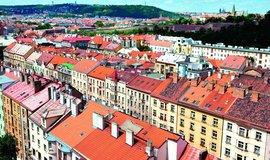 Největší hotel, hostel i penzion. Airbnb je s téměř 30 tisíci lůžky (zhruba třetina kapacit) vlastně největším ubytovatelem v Praze.