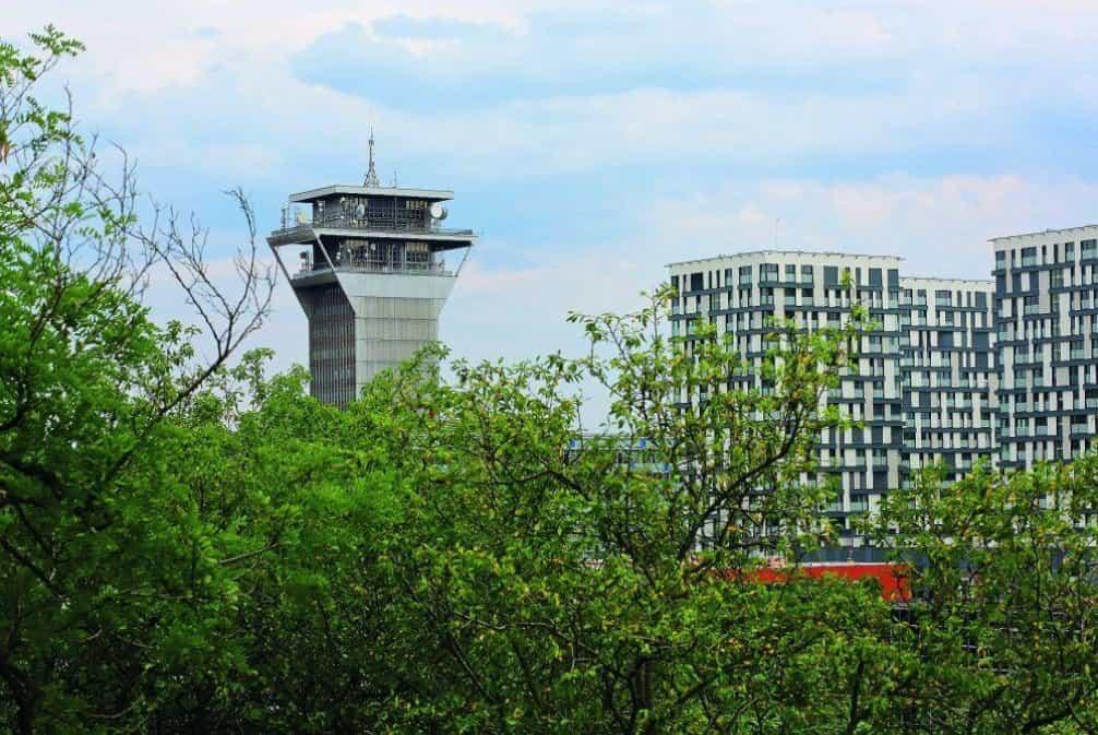 Osmnáctipodlažní telekomunikační věž získala přídomek Štrougalova věž