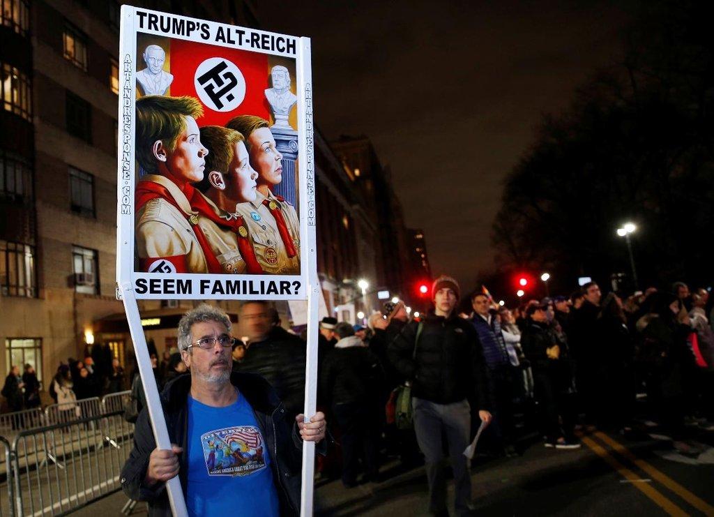 Protesty proti Donaldu Trumpovi v předvečer jeho inaugurace