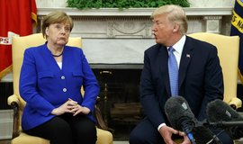 Americký prezident Donald Trump při setkání s německou kancléřkou Angelou Merkelovou