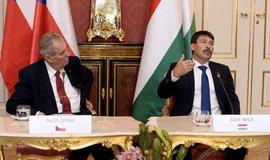 Prezident Miloš Zeman a jeho maďarský protějšek János Áder
