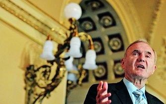 Otmar Issing, jeden ze zakladatelů společné měny euro.