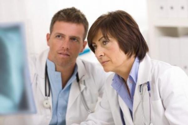 lékaři, počítač, konzultace
