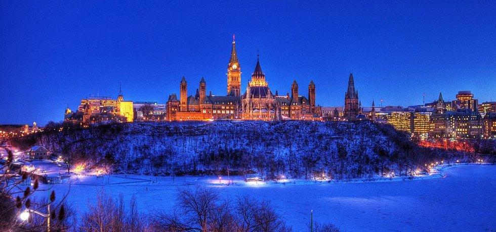 "Ottawa. Fotografie ""Parliament Hill"" licencovaná pod CC BY 2.0"