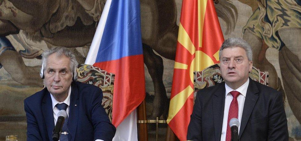 Český prezident Miloš Zeman a jeho makedonský protějšek Ďorge Ivanov