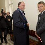 Lobbista Marek Dalík u pražského městského soudu s advokátem Tomášem Sokolem