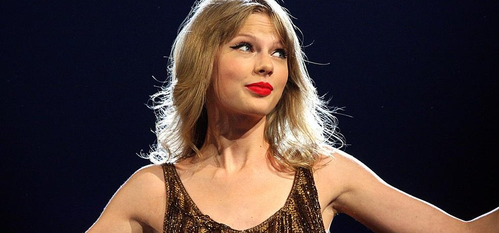 Zpěvačka Taylor Swift (Eva Rinaldi via Wikimedia Commons; CC-BY-SA-2.0)