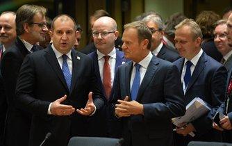 Donald Tusk a Bohuslav Sobotka na summitu EU