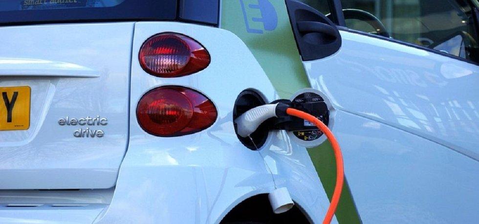 Elektromobil v Norsku vytlačuje spalovací motory. Ilustrační foto.